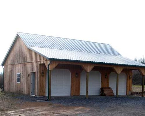 28' x 37' x 9' high Garage with Board & Batten Siding